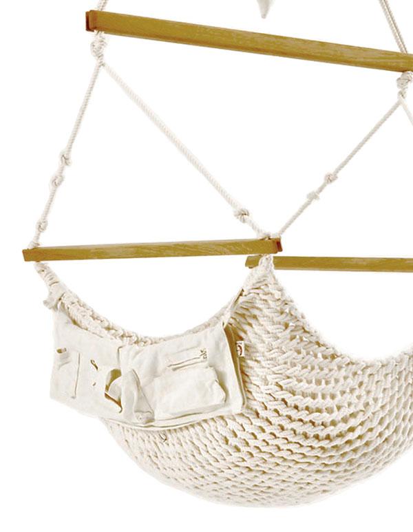Babyschwinger mit kleiner Seitentasche